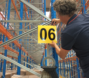 ONE2ID montage borden gangpad bulklocatie magazijn