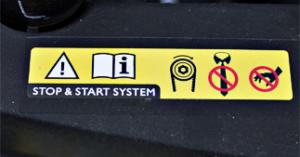 ONE2ID etiket automotive instructies waarschuwingen motorkap