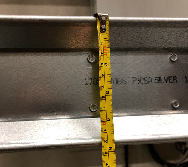 ONE2ID Beams with rivets barcode labels