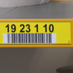ONE2ID Rack labels with level colours and barcode