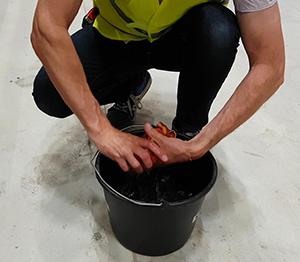 ONE2ID Magazijnlabels installeren schoonmaken stellingen